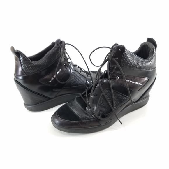93fa7f4ba Adidas Y-3 Yohji Yamamoto Black High Top Sneakers.  M 5b85f88cbb76156ac38c7c42